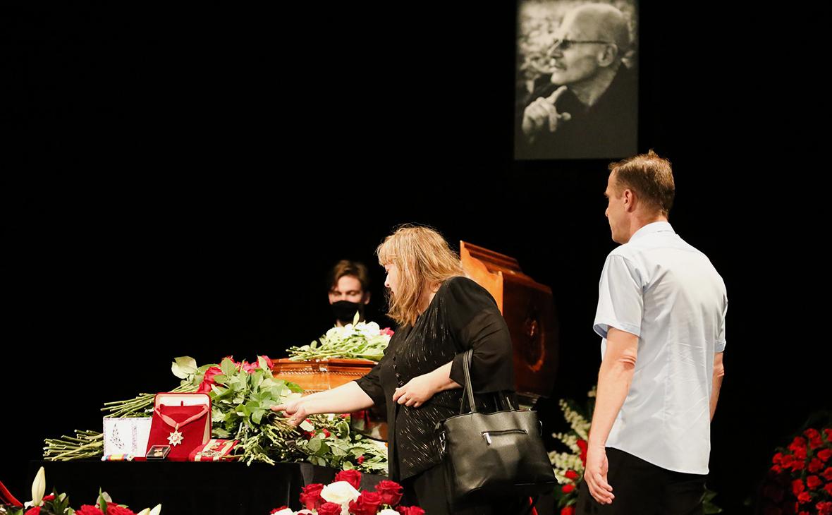Прощание с заслуженным артистом РСФСР Виктором Проскуриным в театральном училище имени Щукина