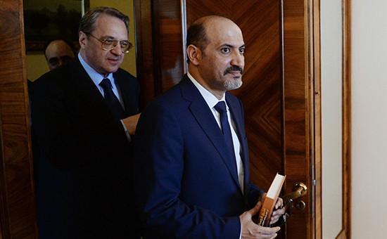 Лидер Национальной коалиции оппозиционных и революционных сил (НКОРС) Сирии Ахмед аль-Джарба (справа)