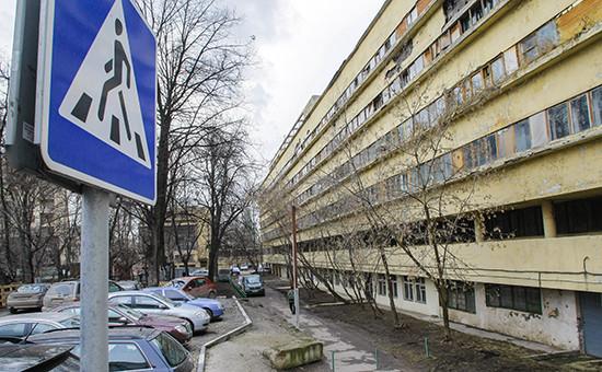 Вид надом Наркомфина наНовинском бульваре вцентре Москвы
