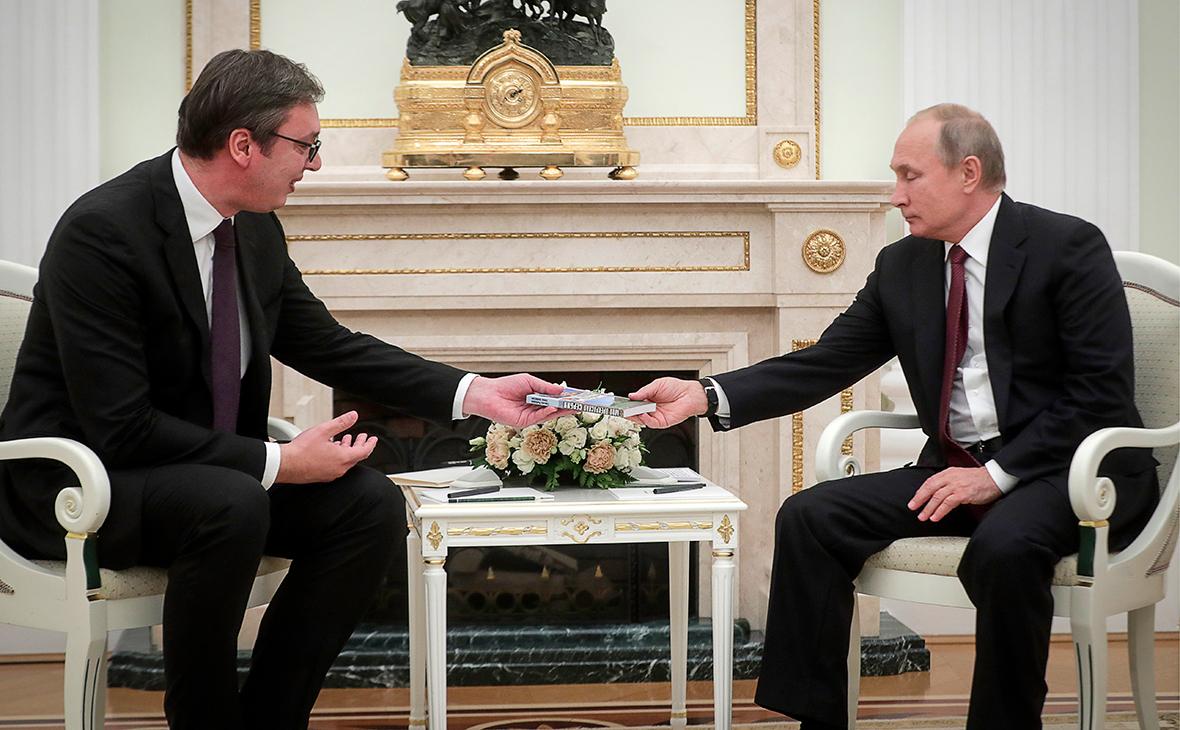 Александр Вучич иВладимир Путин (слева направо)