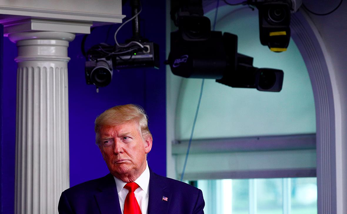 Трамп обвинил ВОЗ в неправильных рекомендациях по борьбе с коронавирусом
