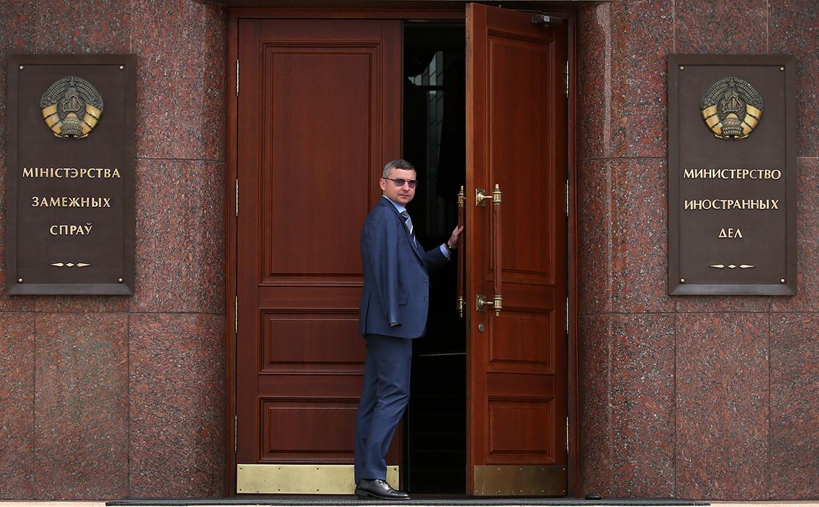 Минск возложил на Киев ответственность за последствия паузы в отношениях