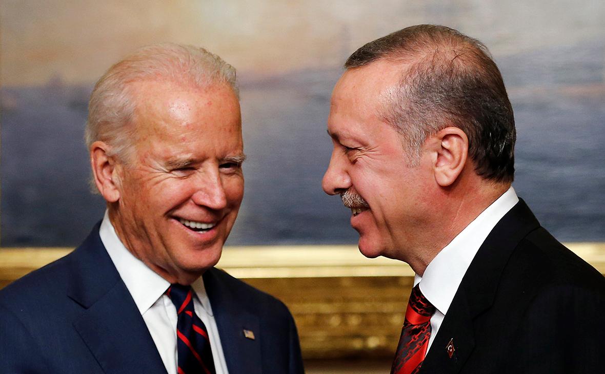 Bloomberg узнал о повороте Турции к США из-за разногласий с Россией
