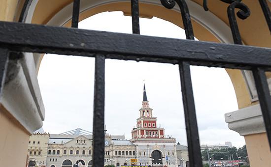 Вид на Казанский вокзал в Москве
