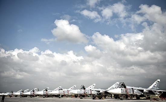 Российские фронтовые бомбардировщики ВКС РФна авиабазе Хмеймим. Фото:март 2016 года