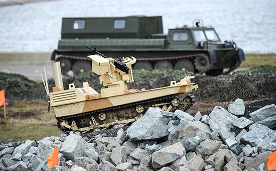 Боевой робот на IX Международной выставке вооружения, военной техники и боеприпасов в Нижнем Тагиле