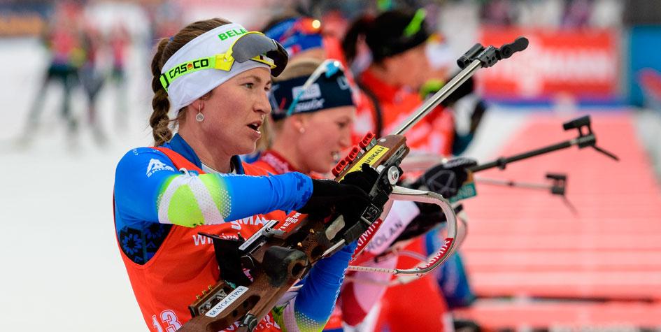 Домрачева выиграла масс-старт на этапе Кубка мира