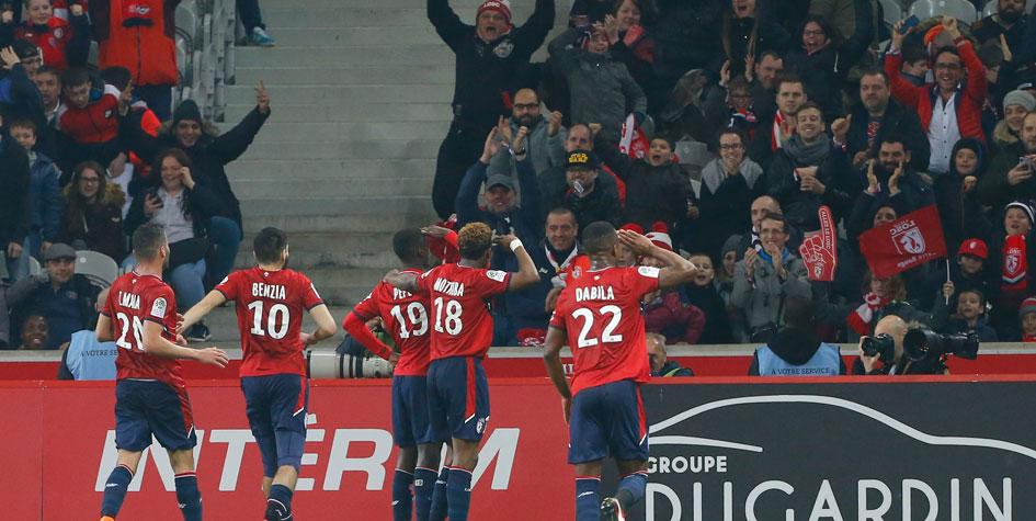 Фанаты выбежали на поле и напали на игроков «Лилля» после матча