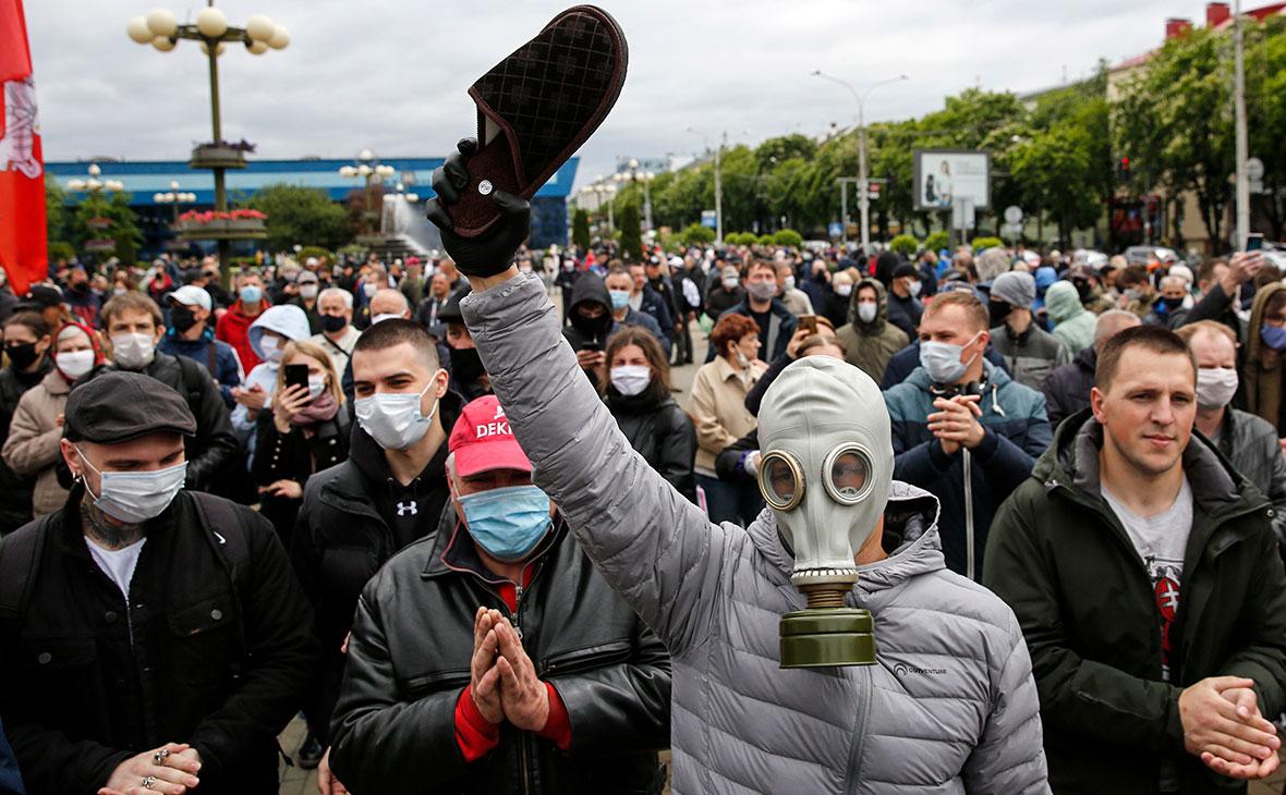 Митинг и сбор подписей в поддержку оппозиционных кандидатов в президенты Белоруссии в Минске