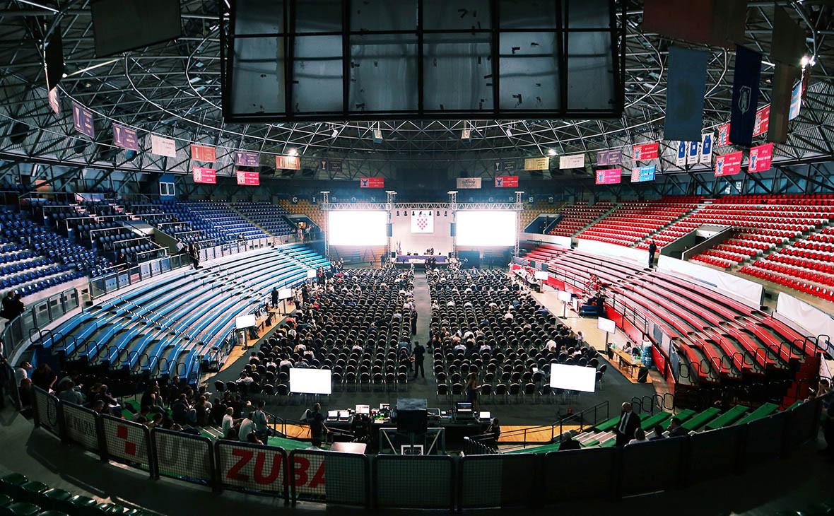 Слушания об урегулировании долга на баскетбольном стадионе в Загребе