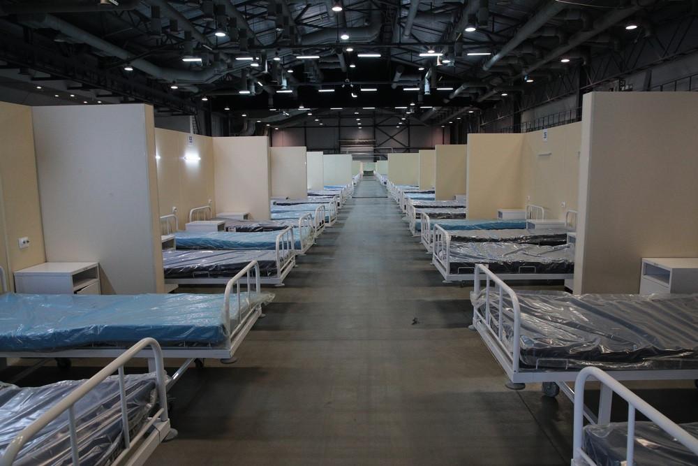 Временный госпиталь для пациентов с COVID-19 в «Ленэкспо»