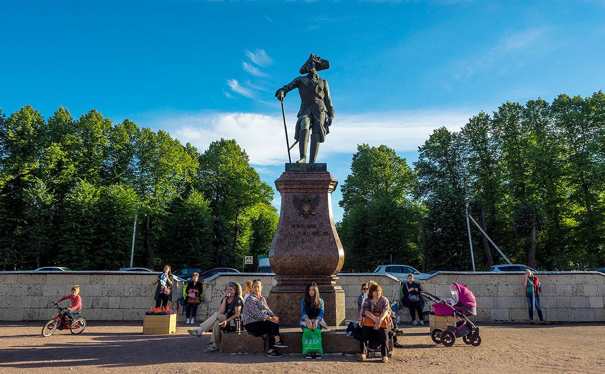 Памятник Павлу I на территории государственного музея-заповедника «Гатчина»