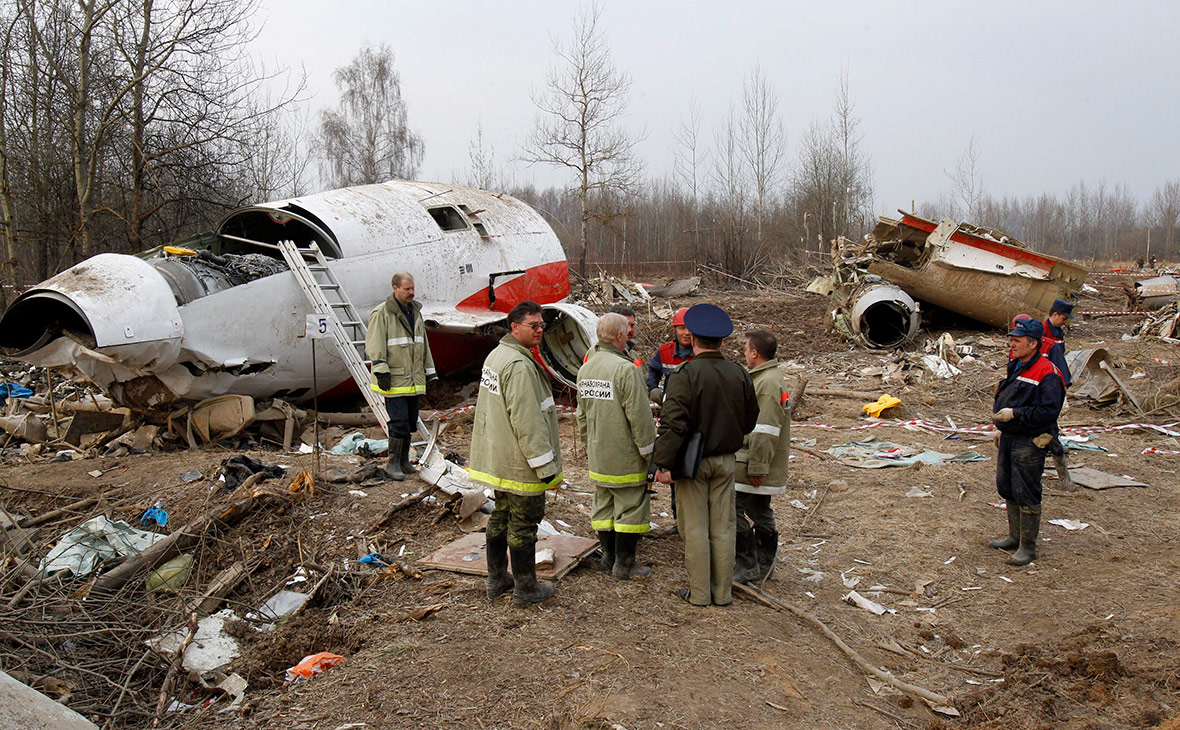 Обломки Ту-154, потерпевшего крушение под Смоленском