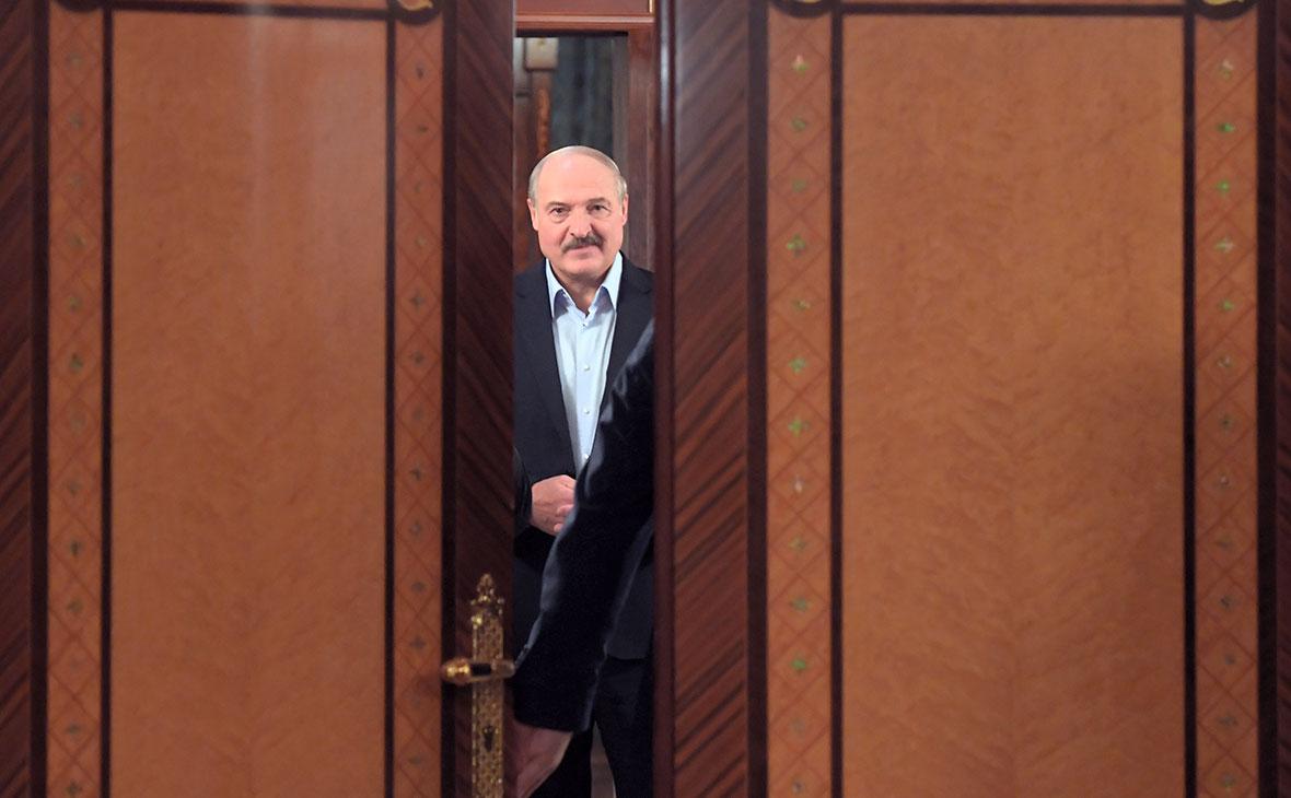 Лукашенко назвал Россию «полыхающей от коронавируса» :: Политика ...