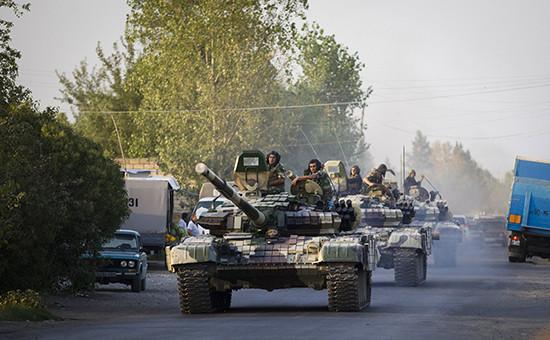 Танковая колонна армии Азербайджана у границ Нагорного Карабаха. Фото 2014 года