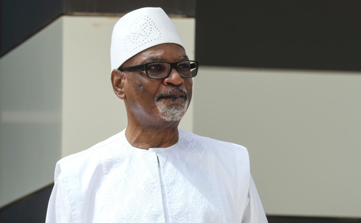 Президент Мали ушел в отставку после военного мятежа
