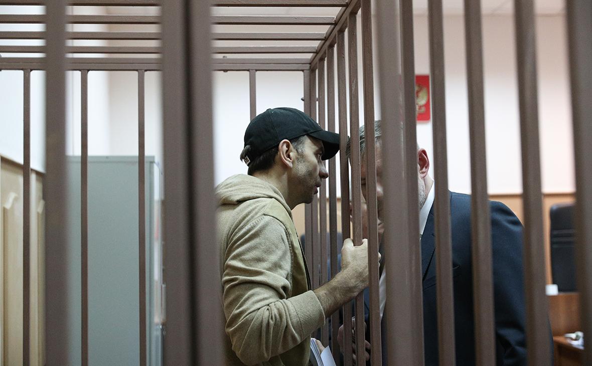 Компания Вексельберга подала иск о взыскании с Абызова 33,6 млрд руб.