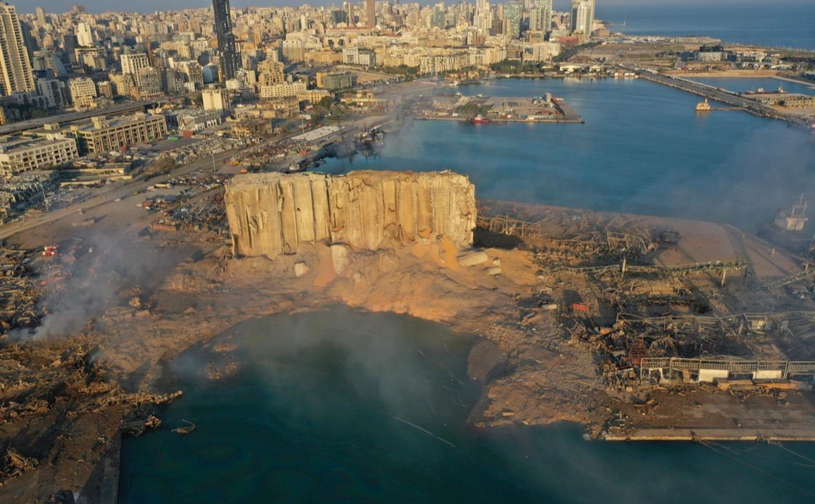 Вид на морской порт Бейрута