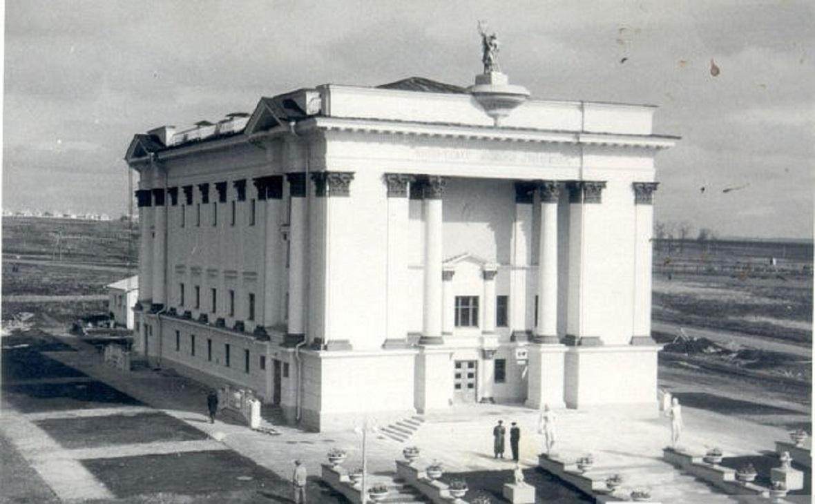 """Кинотеатр """"Победа"""" накануне открытия в 1949 году"""
