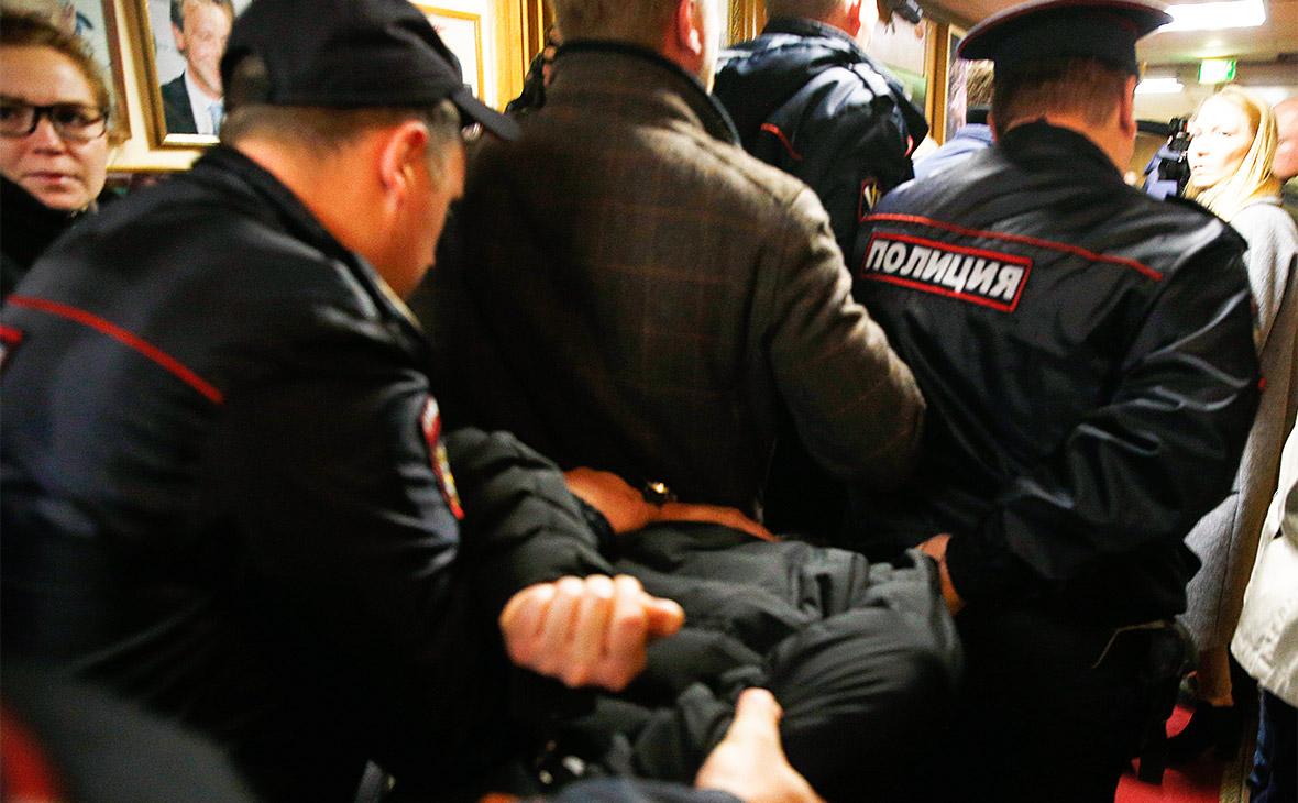 Задержание сотрудниками полиции Бориса Грица