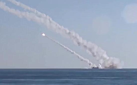 Пуск крылатых ракет морского базирования «Калибр»