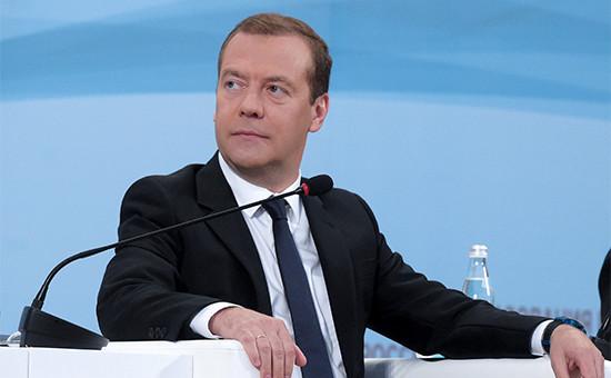 Премьер-министр РФ Дмитрий Медведев на пленарном заседании Всероссийского августовского совещания педагогических работников