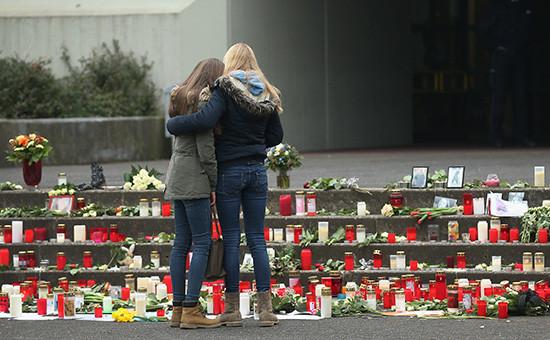 16 детей и два учителя из гимназии в немецком городе Хальтерн-ам-Зе были на борту самолета А320, разбившегося 24 марта 2015 года во французских Альпах. Все они погибли