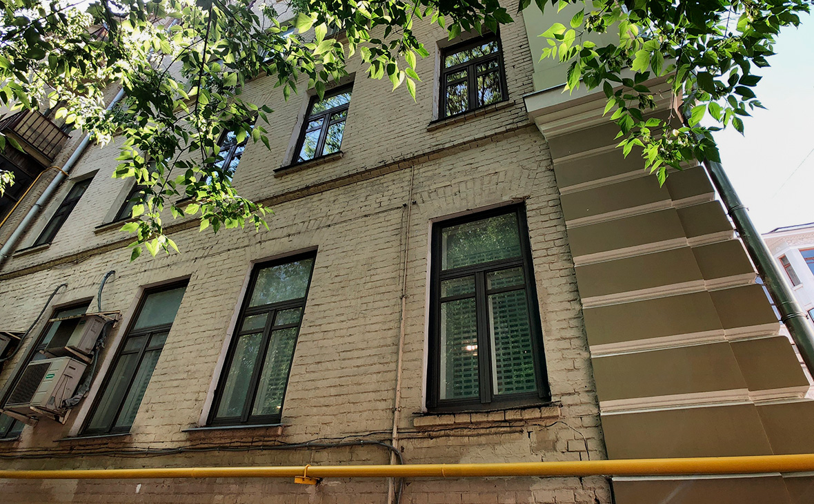 Дом, в котором актёр Михаил Ефремов находится под домашним арестом