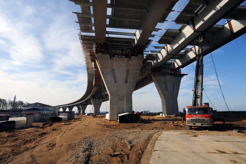Строительство одной из дорог в Петербурге