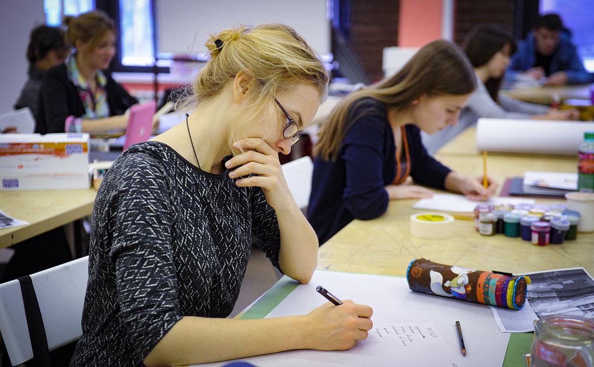 Российские школьники стали чаще выбирать техникумы