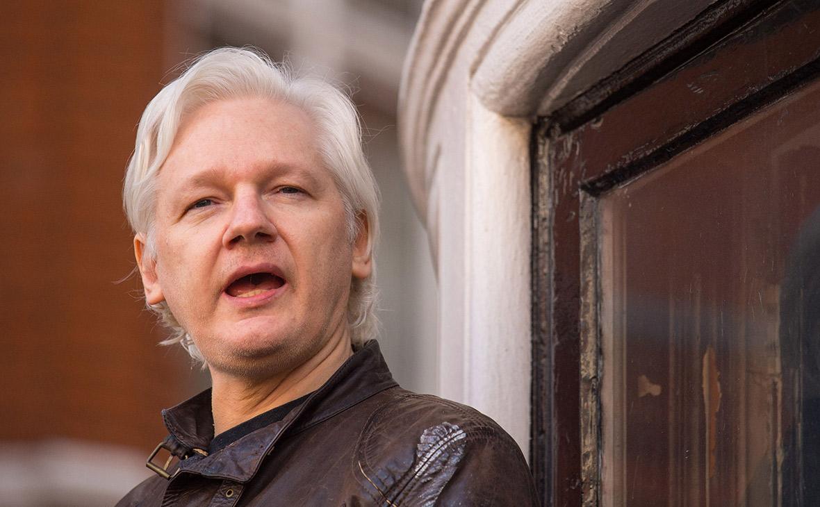 Глава МВД Великобритании подписал запрос на экстрадицию Ассанжа в США