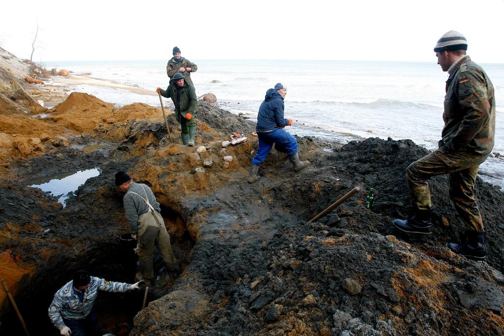 По копателям янтаря ударят обязательными работами и 200-тыся.