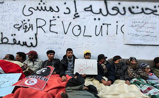 Протестующие в Тунисе. 24 января 2011 года