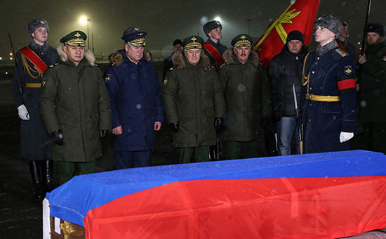 Встреча тела погибшего летчика на аэродроме Чкаловский