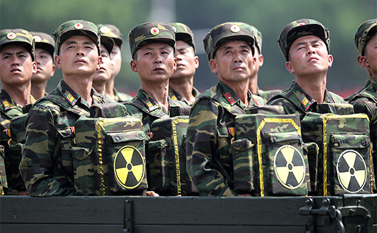 Солдаты Северной Кореи на военном параде