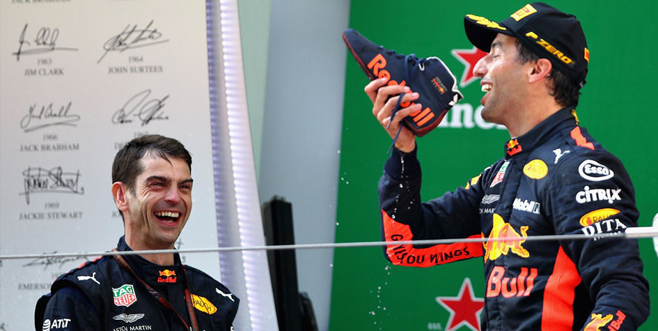 Даниэль Риккардо выиграл шестую гонку «Формулы-1» в карьере