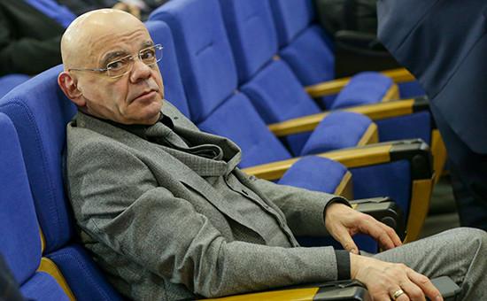 Константин Райкин перед началом пленарного заседания Общественной палаты России, январь 2016 года