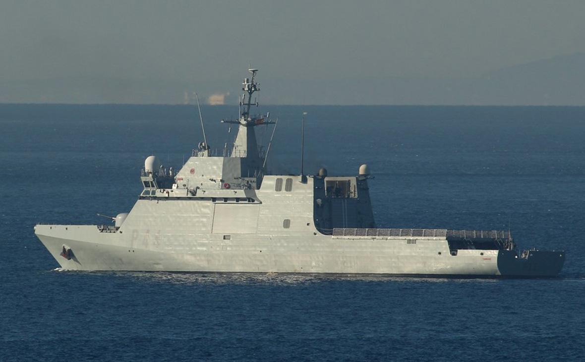 Испанский военный корабль Tornado