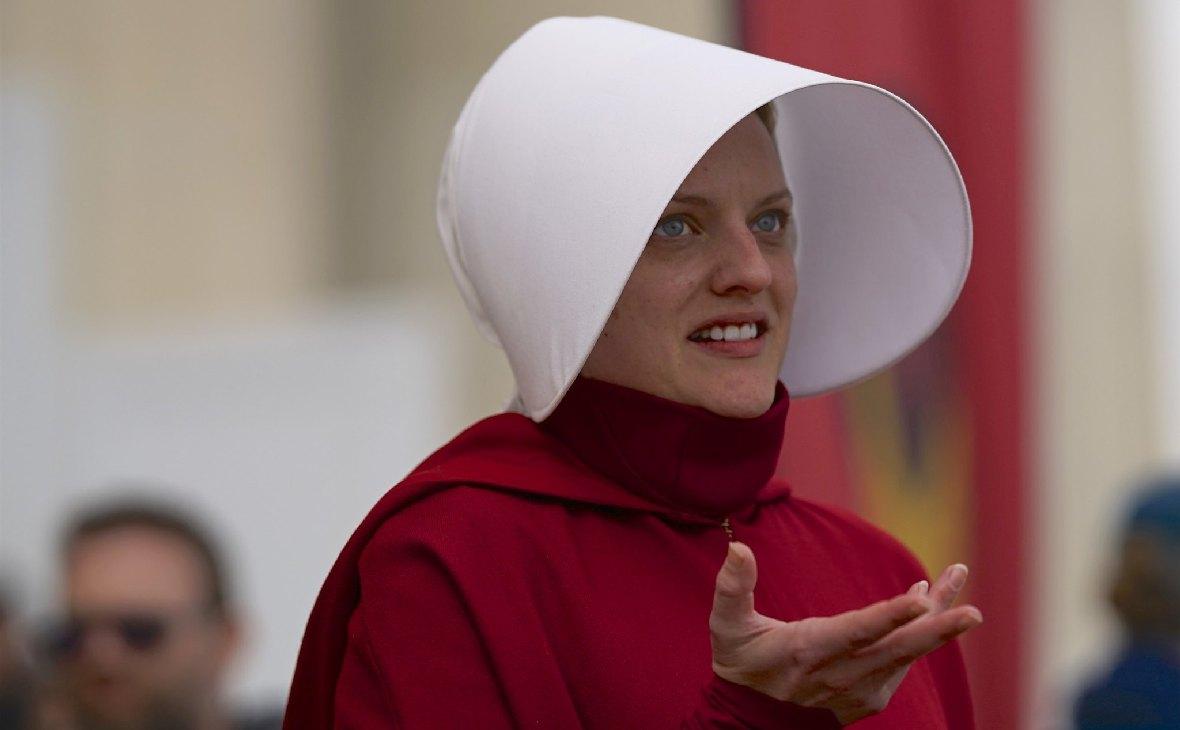 Элизабет Мосс, исполнительница главной роли в сериале «Рассказ служанки»