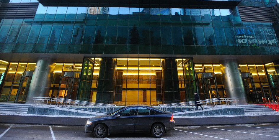 Главный вход вновое 60-этажное здание «Империя Тауэр» Московского международного делового центра «Москва-Сити»