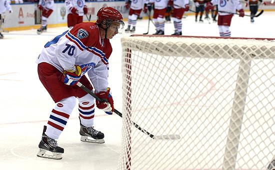 Президент России Владимир Путин на гала-матче турнира Ночной хоккейной лиги