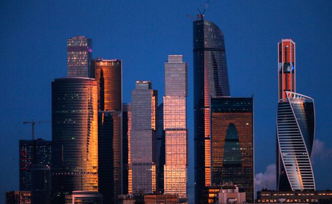 «Башня Федерация. Восток» (на фото самая высокая)