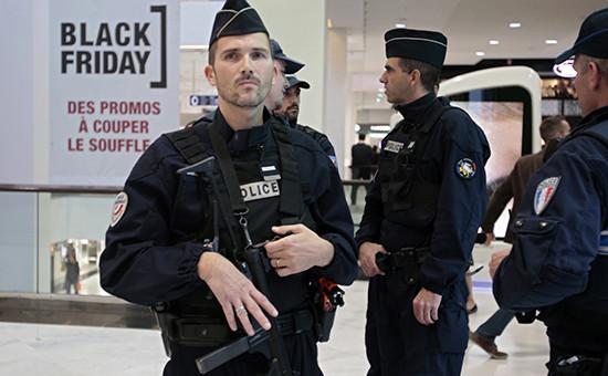 Полицейский патруль вПариже