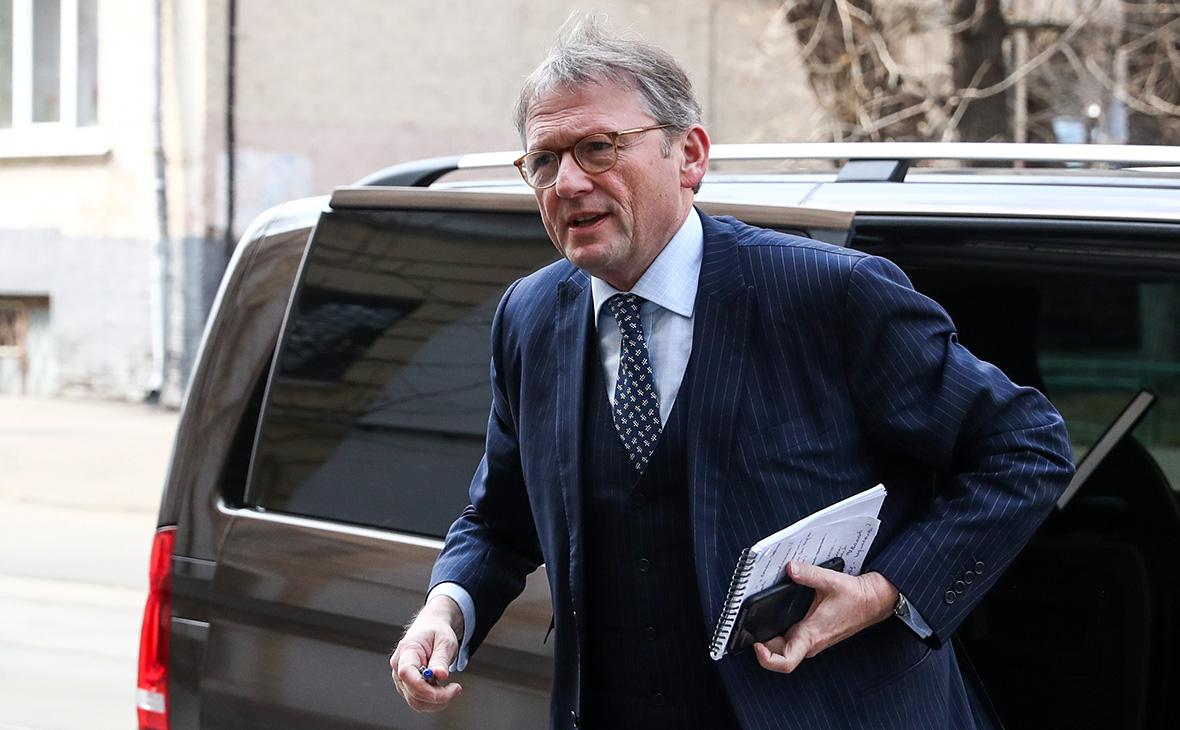 Титов счел небезупречным решение суда по изъятию деклараций об амнистии