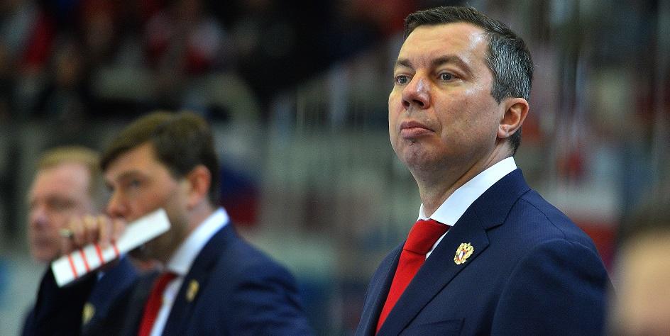 Тренер сборной России по хоккею ответил на критику журналистки из США