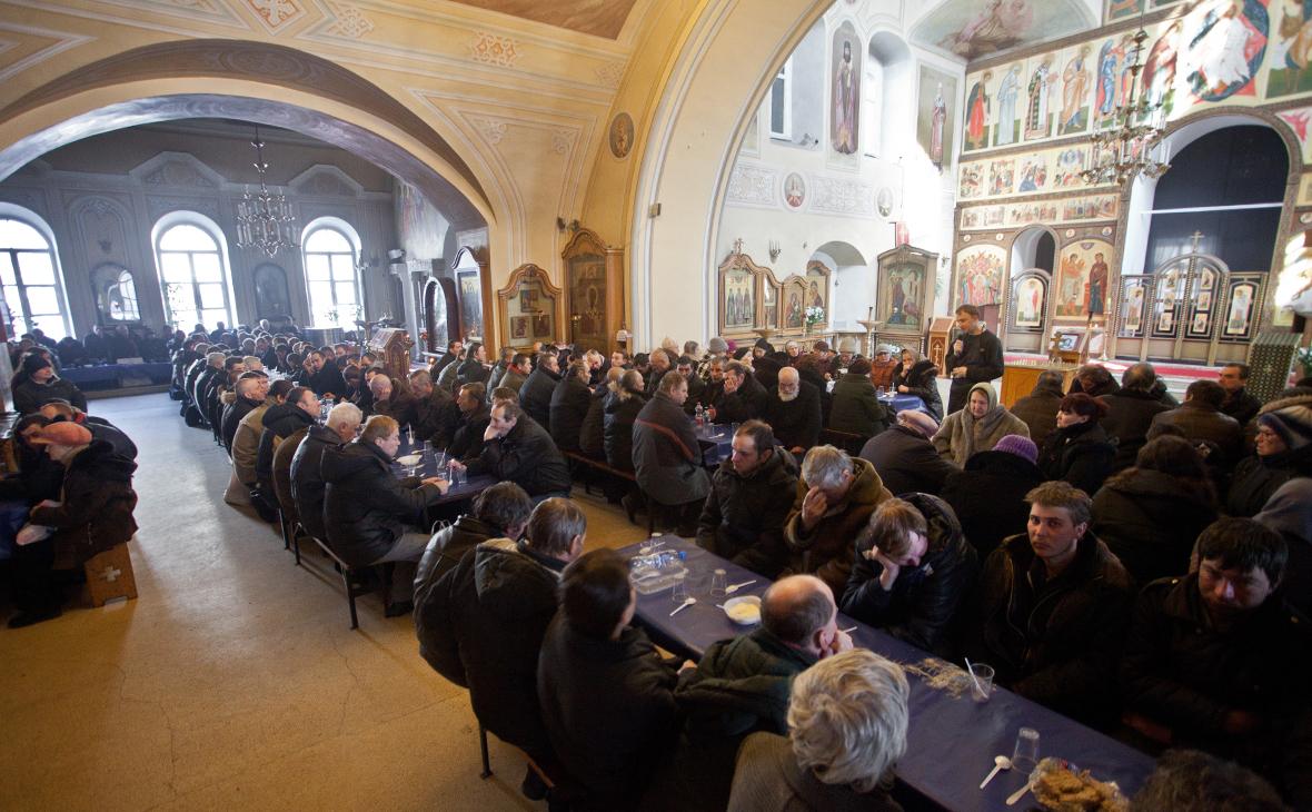 Эксперты рекомендовали священникам укрывать людей от насилия в храмах