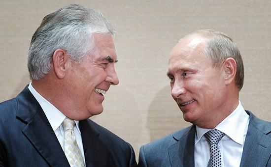 Рекс Тиллерсон иВладимир Путин вовремя встречи в2011 году