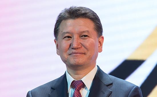 Первый президент Калмыкии КирсанИлюмжинов