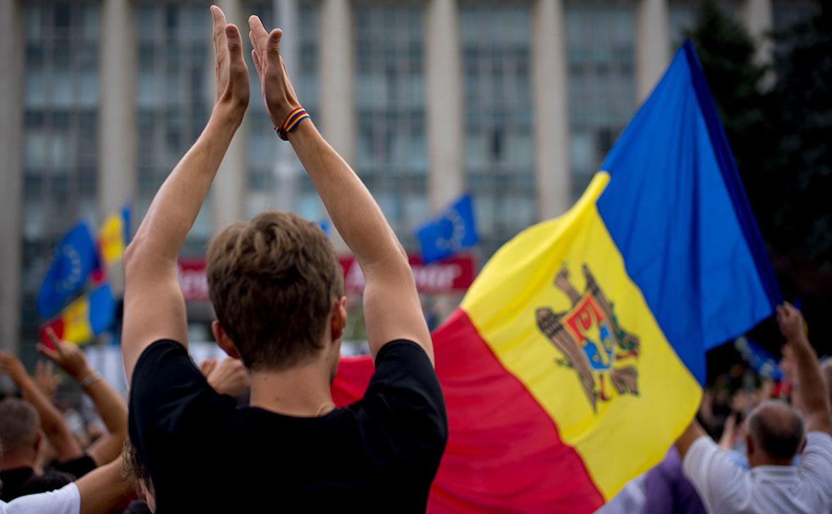 Нарышкин заявил об отправке специалистов по революциям из США в Молдавию
