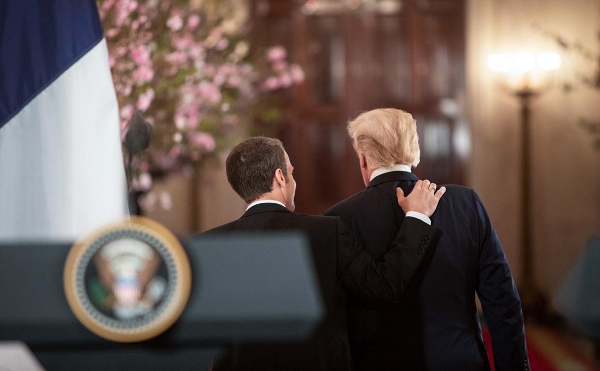 Макрон сравнил разговоры с Трампом с содержимым сосиски